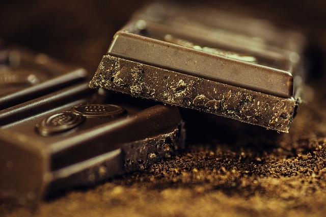čtverečky čokolády