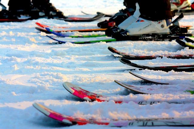 sníh na lyžích